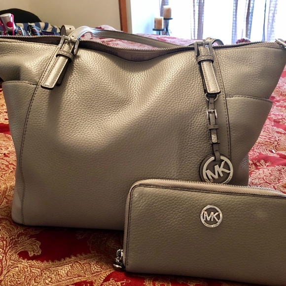 8a2bc846fcd ... MK Tote, matching wallet. M 5b988c948ad2f9ec0c85d29b. Other Bags you  may like. Micheal kors bag